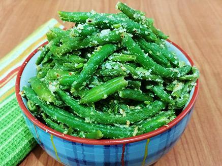 שעועית ירוקה ברוטב שקדים