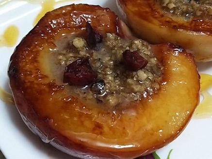אפרסקים מקורמלים במילוי אגוזים
