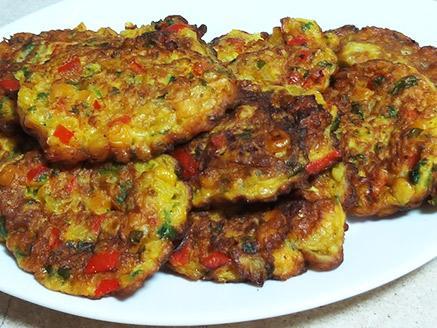 קציצות תירס עם ירקות